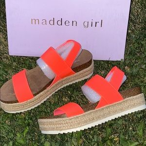 MADDEN GIRL Cybell Platform Wedge